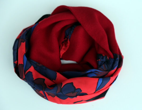 Infinity scarf, red
